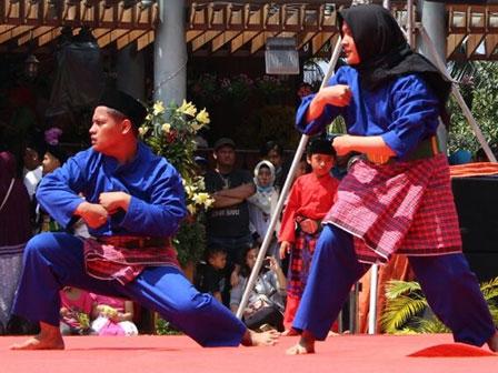 Sanggar Si Pitung Lestarikan Silat Cingkrik Dari Rawa Belong