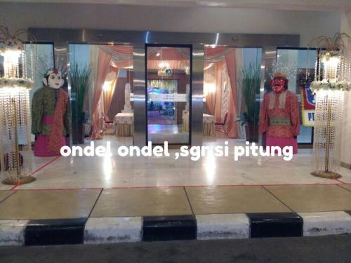 Ondel-ondel (3)